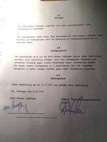 Vertragstext mit Unterschriften