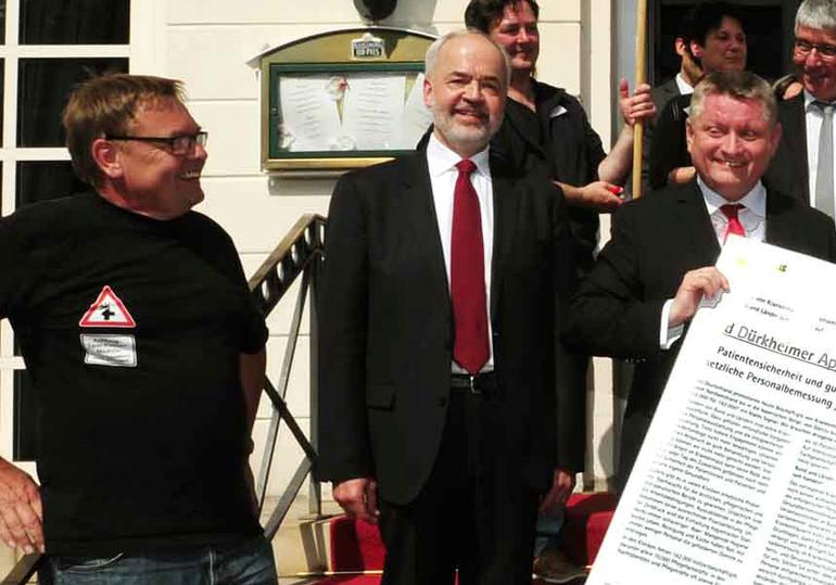 Auch der Gesundheitsminister Hermann Gröhe erhielt die Forderungen von ver.di