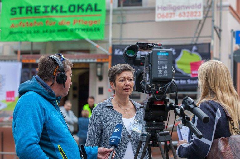 Sylvia Bühler im Interview mit dem Fernsehen