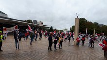Streikende vor der Congresshalle