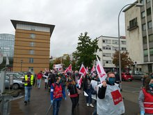 Streikende auf dem Weg zur Congresshalle